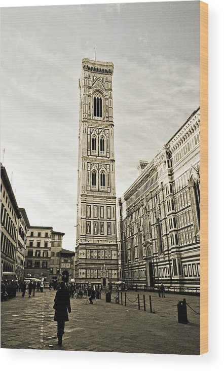 Giotto Wood Print featuring the photograph Florence Square With Giotto by Emilio Lovisa