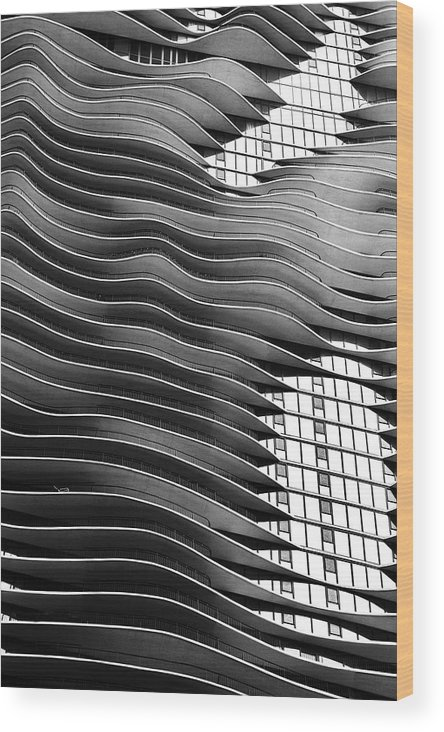 Chicago Wood Print featuring the photograph Flowing Facade by Andrew Soundarajan