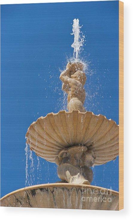 Urban Wood Print featuring the photograph Fountain by Hideaki Sakurai