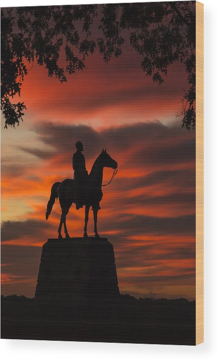 Cemetary Ridge Wood Print featuring the photograph Gettysburg - Gen. Meade At First Light by Liza Eckardt