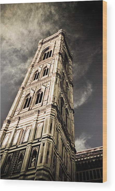 Giotto Wood Print featuring the photograph Giotto by Emilio Lovisa