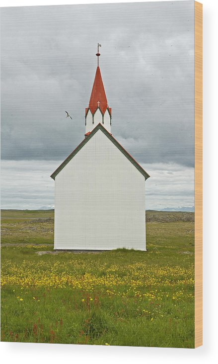 Iceland Wood Print featuring the photograph Icelandic Church by Elisa Locci
