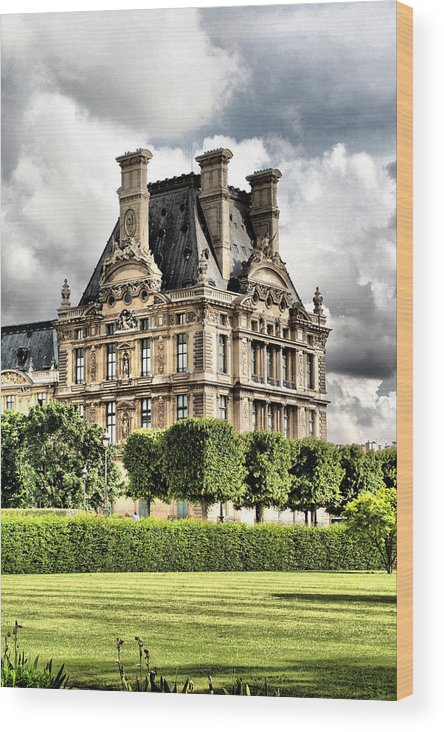 Paris Wood Print featuring the photograph Le Musee Du Louvre by Greg Sharpe