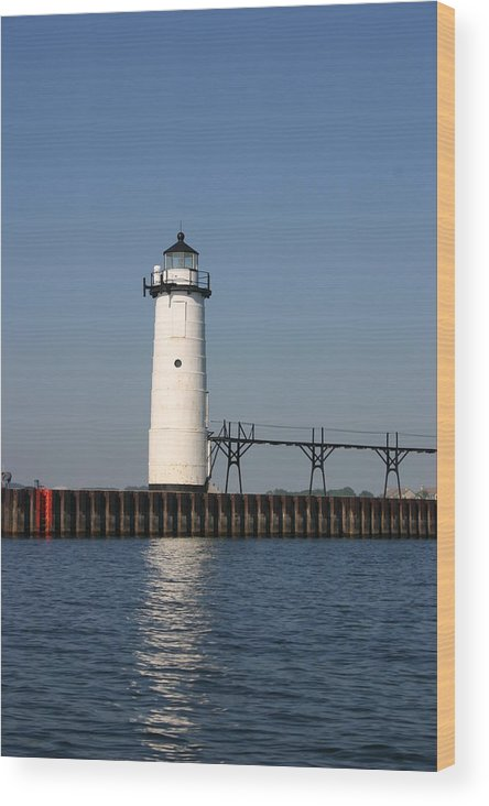 Light House Wood Print featuring the photograph Light House by Kevin Dunham