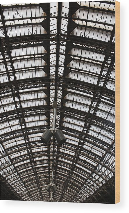 Architecture Wood Print featuring the photograph Light-rips by Hans English