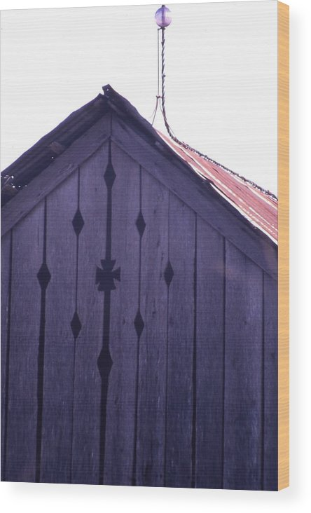Wood Print featuring the photograph Lloyd Shanks Barn by Curtis J Neeley Jr