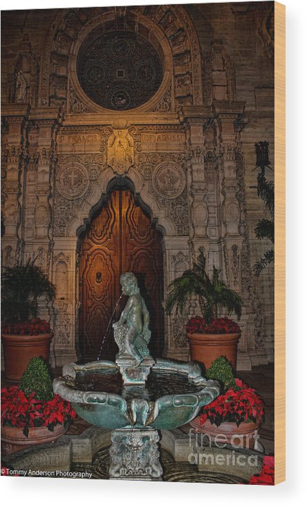 Mission Inn Wood Print featuring the photograph Mission Inn Chapel Fountain by Tommy Anderson