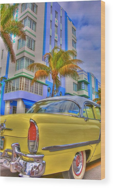 Art Deco Wood Print featuring the photograph Ocean Drive by William Wetmore