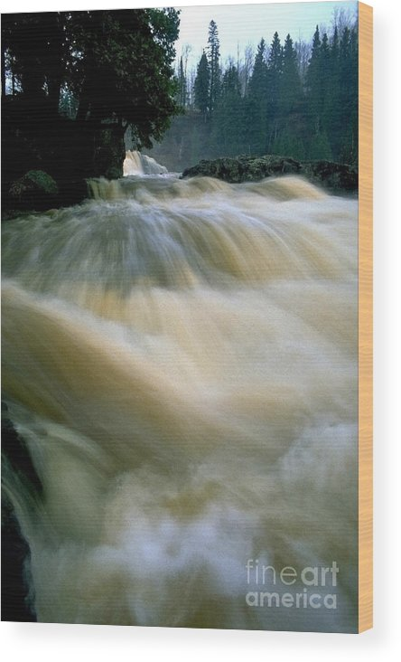 Water Wood Print featuring the photograph Water Coming Right At You by Sven Brogren