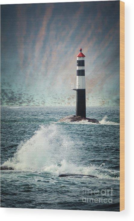 Kremsdorf Wood Print featuring the photograph Beyond The Northern Waves by Evelina Kremsdorf