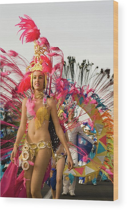 Scenics Wood Print featuring the photograph Female Dancer At The Carnival Parade by Juergen Richter / Look-foto