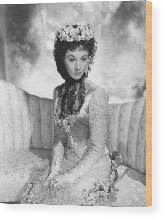 1940s Movies Wood Print featuring the photograph Anna Karenina, Vivien Leigh, 1948, Tm & by Everett