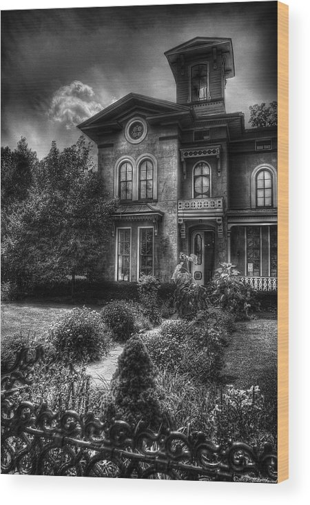 Hdr Wood Print featuring the photograph Haunted - Haunted House by Mike Savad