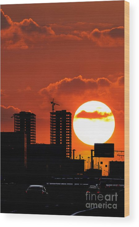 City Wood Print featuring the photograph Sunset City by Konstantin Sutyagin