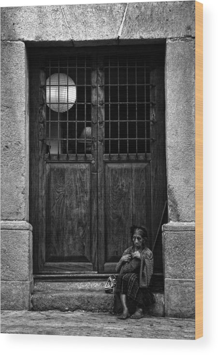 Old Wood Print featuring the photograph A La Entrada by Francesco Nadalini