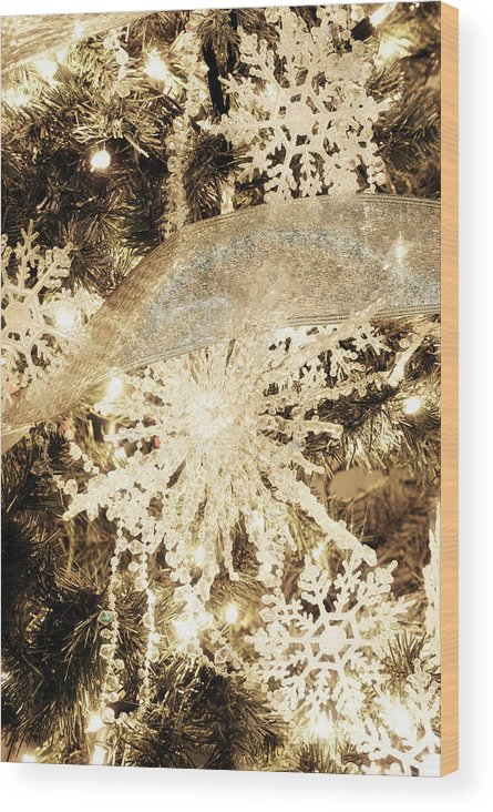 Snowflake Wood Print featuring the photograph Christmas Tree by HD Connelly