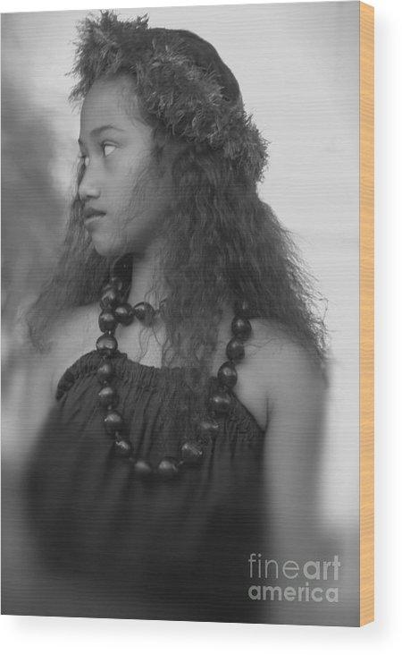 Hula Wood Print featuring the photograph Hula Girl by Uldra Johnson