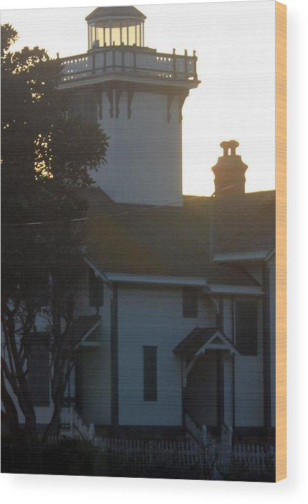 Lighthouse Wood Print featuring the photograph Lighthouse 0555b by Edward Ruth