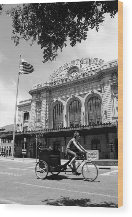 Street Wood Print featuring the photograph Union Station by Brian Anderson
