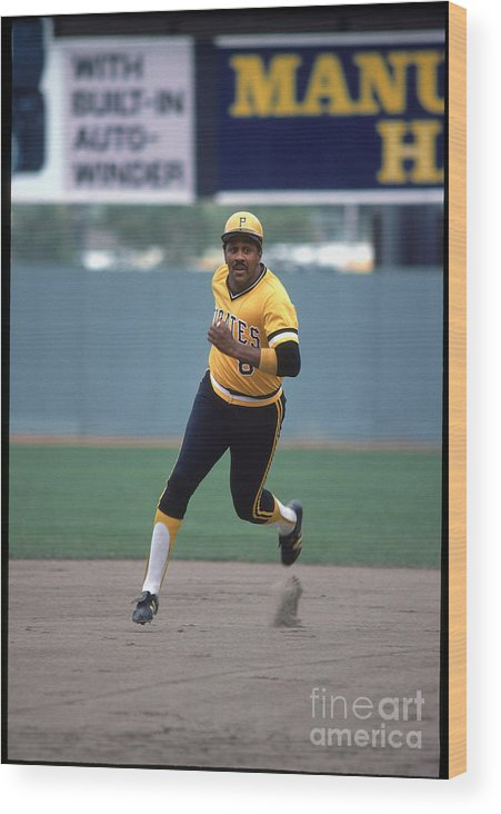 1980-1989 Wood Print featuring the photograph Willie Stargell by Rich Pilling