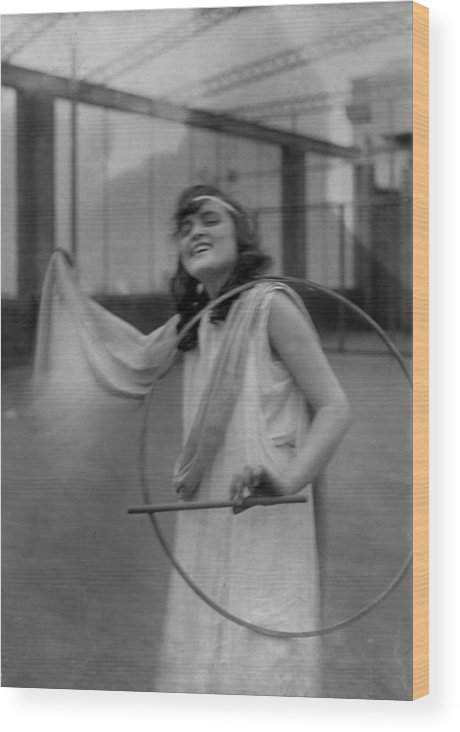1910s Wood Print featuring the photograph Portrait Of A Young Actress, Original by Everett