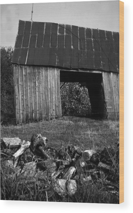 Vintage Wood Print featuring the photograph lloyd-shanks-barn-2BW by Curtis J Neeley Jr