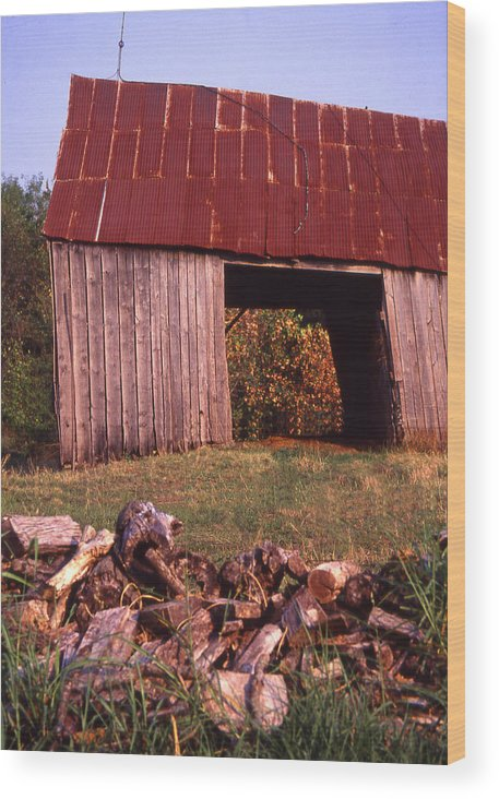 Wood Print featuring the photograph Lloyd Shanks Barn2 by Curtis J Neeley Jr