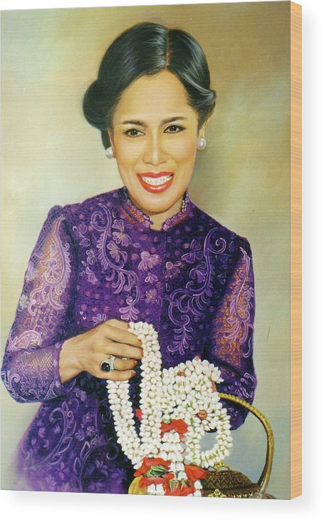 Oil Wood Print featuring the painting Queen Sirikit2 by Chonkhet Phanwichien