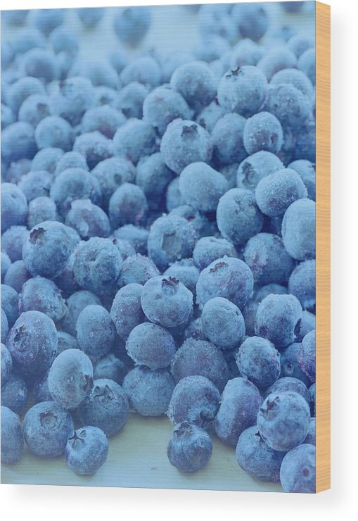 Berries Wood Print featuring the photograph Blueberries by Romulo Yanes