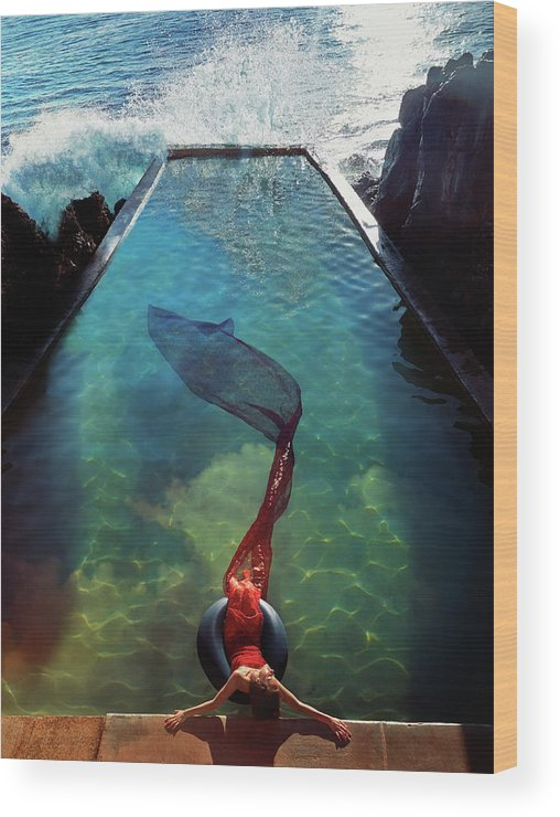 Human Arm Wood Print featuring the photograph Pacific Islander Woman In Mermaid by Colin Anderson Productions Pty Ltd