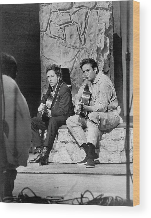 Music Wood Print featuring the photograph Bob Dylan & Johnny Cash by Michael Ochs Archives