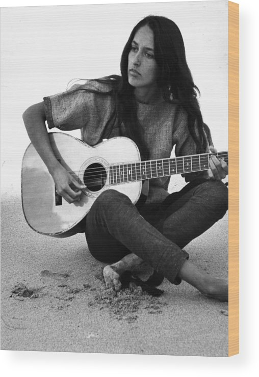 Timeincown Wood Print featuring the photograph Joan Baez Playing Guitar On The Beach by Ralph Crane