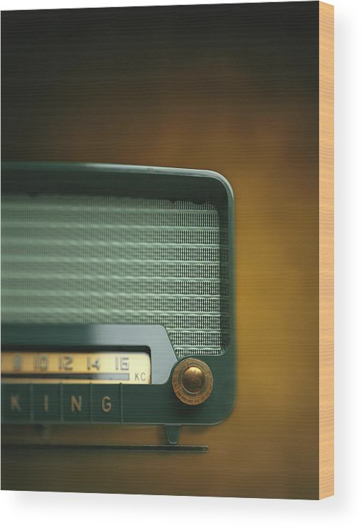 Analog Wood Print featuring the photograph Old-fashioned Radio With Dial Tuner by Stockbyte