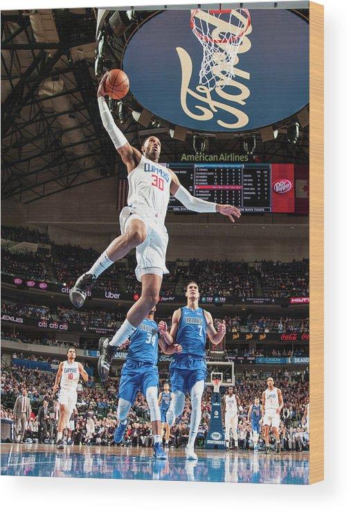 Nba Pro Basketball Wood Print featuring the photograph Mike Scott by Glenn James