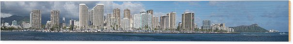 Honolulu Wood Print featuring the photograph Honolulu Hi 3 by Richard J Cassato