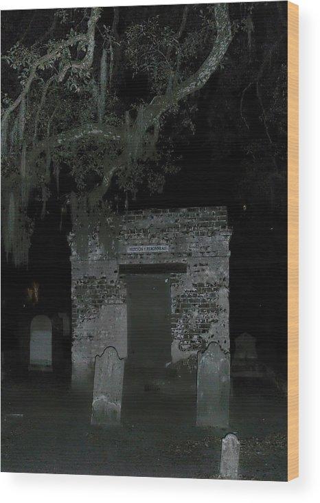 Charleston Graveyard Wood Print featuring the photograph Charleston Graveyard by Jemmy Archer