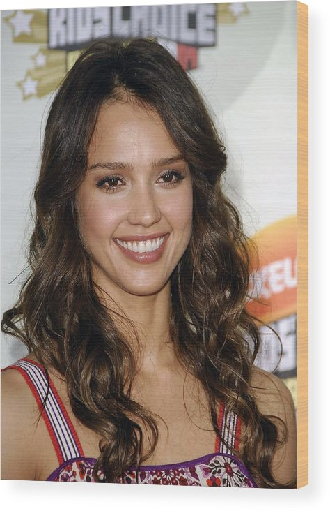 2007 Nickelodeon''s Kids Choice Awards Wood Print featuring the photograph Jessica Alba At Arrivals For 2007 by Everett