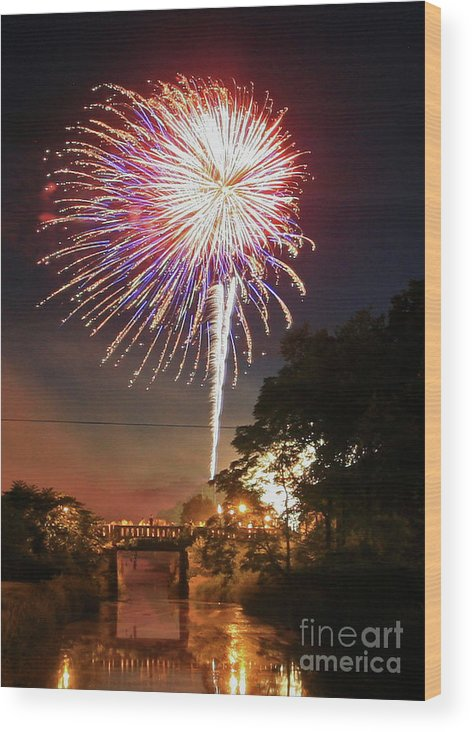 Fire Works Wood Print featuring the photograph Canal View Of Fire Works by Paula Guttilla