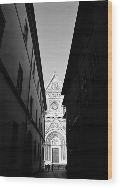 Black And White Wood Print featuring the photograph Duomo II by Artecco Fine Art Photography
