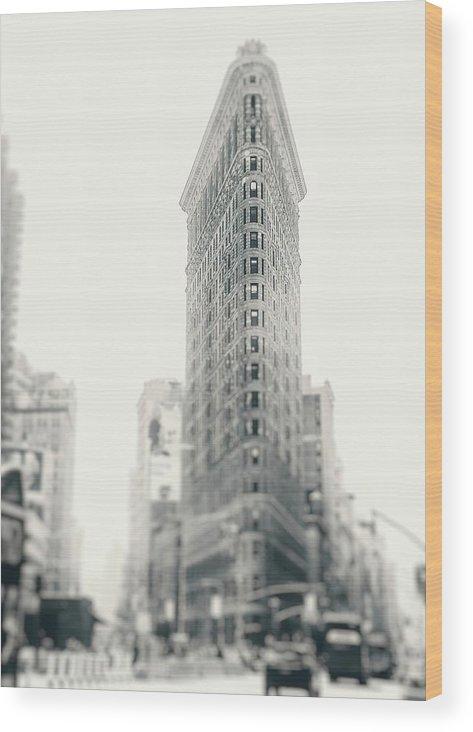 New York Wood Print featuring the photograph Flatiron Memoirs by Debra Cox