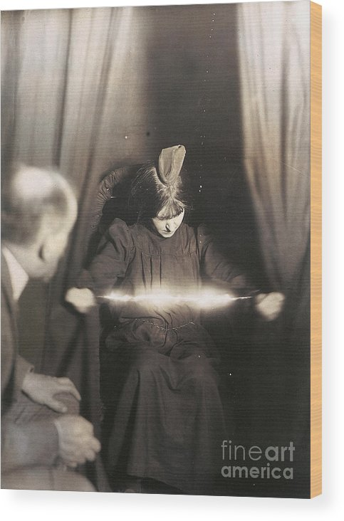 1912 Wood Print featuring the photograph Medium During Seance 1912 by Granger