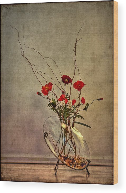 Flower Wood Print featuring the photograph Seeking Harmony by Evelina Kremsdorf