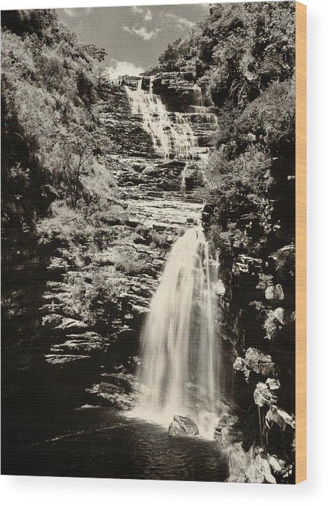 Water Wood Print featuring the photograph Sossego Waterfall by Amarildo Correa