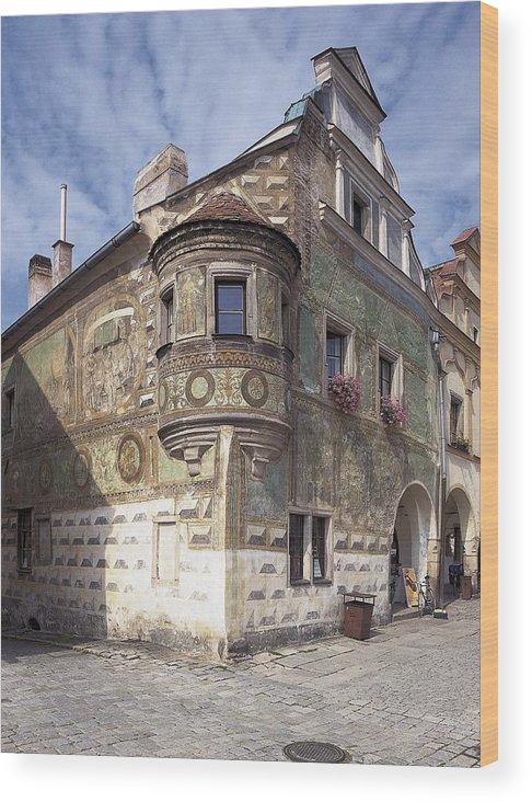 Vertical Wood Print featuring the photograph Czech Rep.. Telc. Fa�ade Of The House by Everett