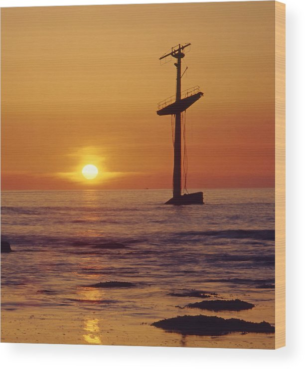 Shipwreck Wood Print featuring the photograph 1a4145-a1-e-shipwreck In The Bay by Ed Cooper Photography