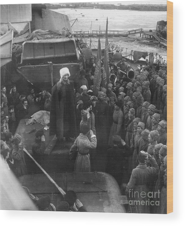 1921 Wood Print featuring the photograph Kronstadt Mutiny, 1921 by Granger