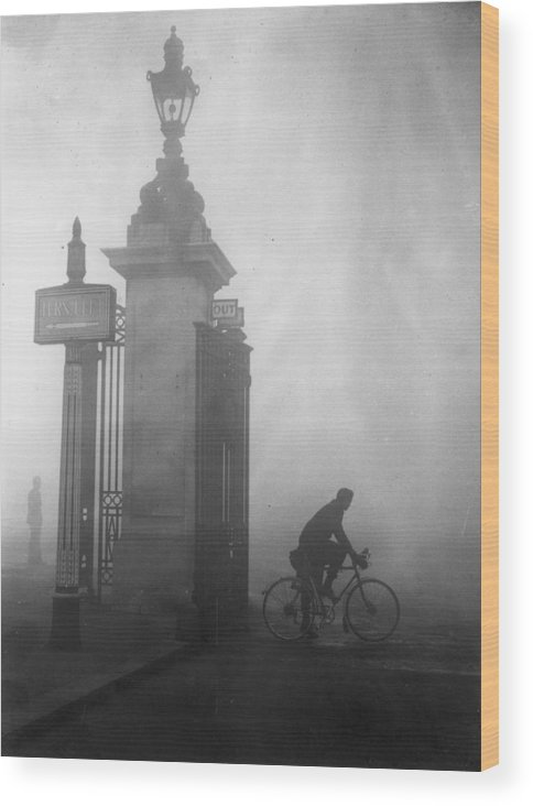 1930-1939 Wood Print featuring the photograph Pea Souper by Fox Photos