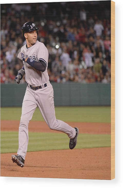 People Wood Print featuring the photograph Derek Jeter by Harry How