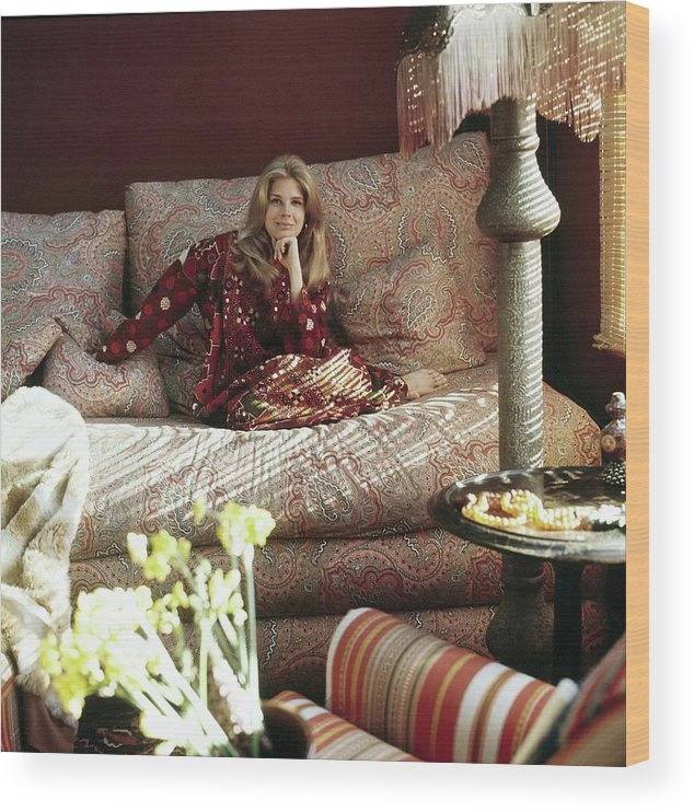 Home Wood Print featuring the photograph Candace Bergen In Caftan by Henry Clarke