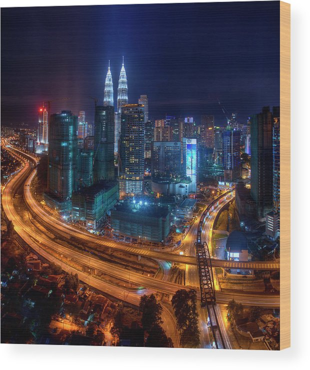 Outdoors Wood Print featuring the photograph Two Direction In Klcc by Rithauddin Photographer